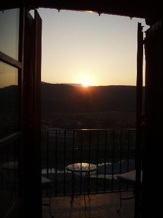 Hotel Villa Romanica : sunrise - view from bedroom