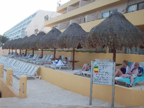 Fiesta Americana Condesa Cancun All Inclusive: Here's the sand