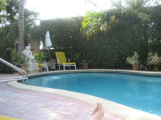 La Casa Hotel: Pool area