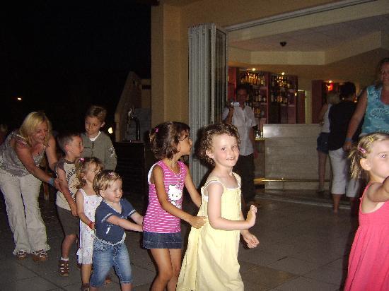 Golden Odyssey Kolimbia: my daughter enjoying kids disco