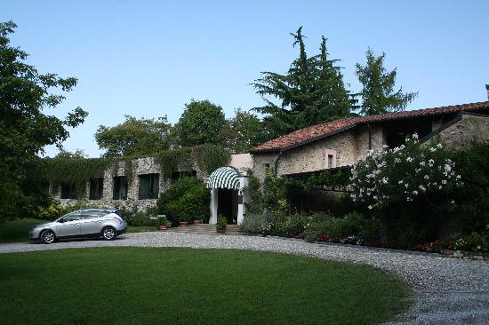 Relais I Due Roccoli - Front Entrance
