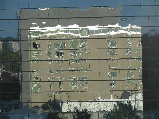 Hilton Minneapolis/Bloomington: The windows really are square!