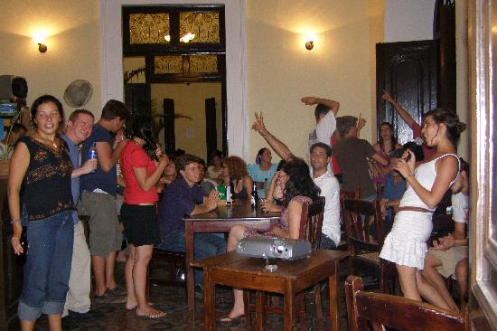 Nuestro Mundo : Karaoke downstairs