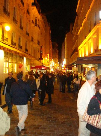 Hotel du Mont Blanc: the hotel is located in a pedestrian street