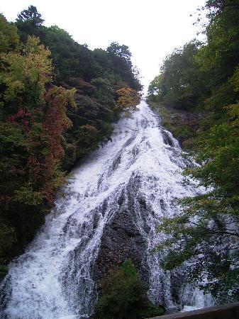 Yutaki Waterfall: マイナスイオンたっぷり。