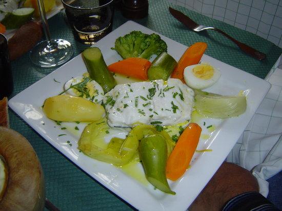 LA CAVE : Dorade with garlic mayonaise