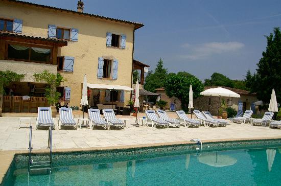 Le Mas Shabanou : The pool