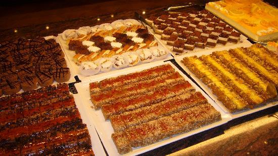 Hotel Fuerte Conil - Costa Luz : Les gâteaux au dîner 1