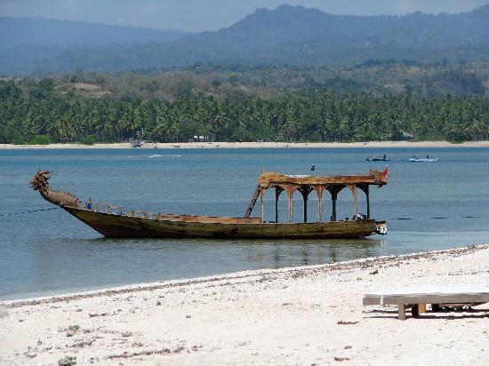 Hotel Tugu Lombok : tugu boat