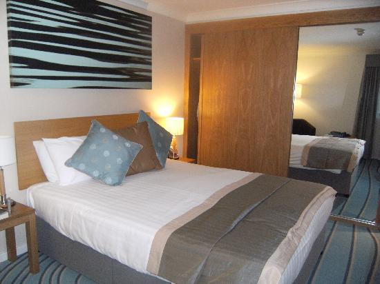De Vere Cotswold Water Park: Bedroom