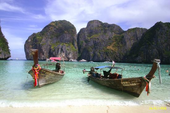 Krabi Thai Village Resort: that beach on phi phi ley