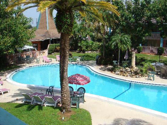 Holiday Hotel & Resort: Pool was clean