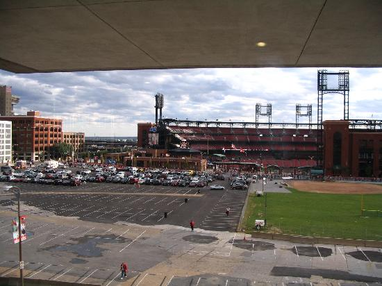 Hilton St. Louis at the Ballpark: View of Ballpark From Manchester Room