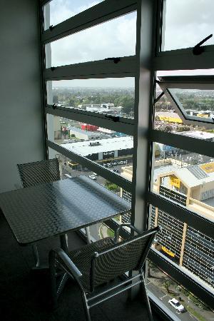 Proximity Apartments Manukau: Balcony