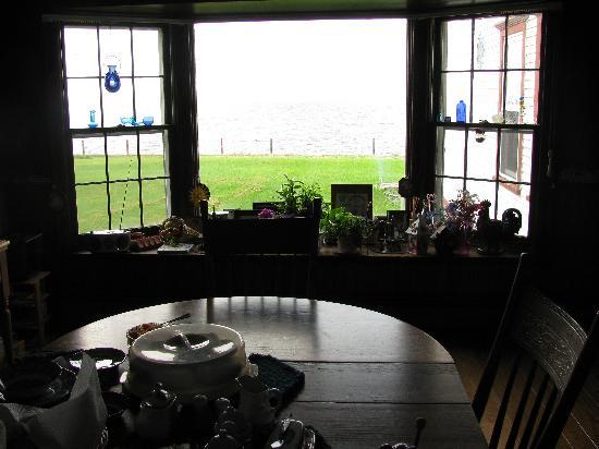 Sunnyside Bed & Breakfast: breakfast room