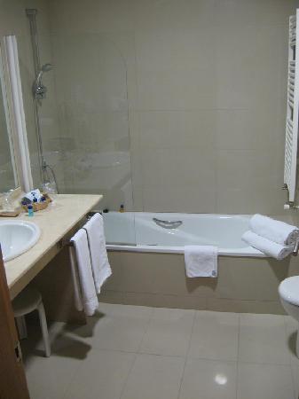 La Estacion Hotel: Bathroom