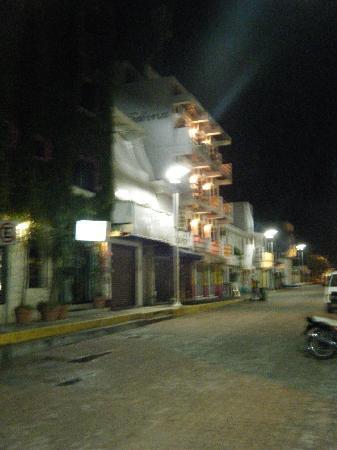 Hotel de Mar: Maria Sabina building at night