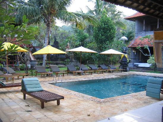 Hotel Puri Rai : 1ère piscine (il y en a 3 !)