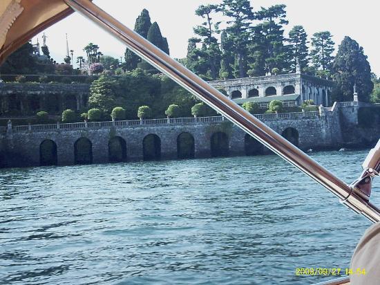 Lago Maggiore: Vista giardini isola bella dal vaporetto