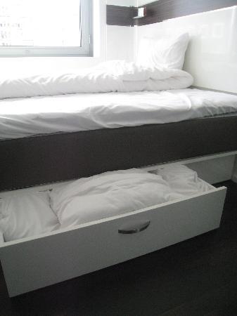 Wakeup Copenhagen Carsten Niebuhrs Gade: hidden bedding