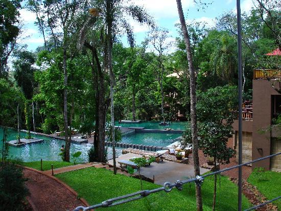 Loi Suites Iguazu: vita della piscina