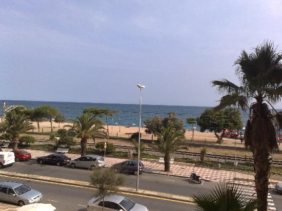 H·TOP Pineda Palace: View from the window to Mediterranean Sea