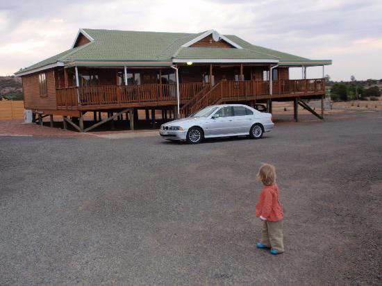 Sangiro Lodge : Reception Building