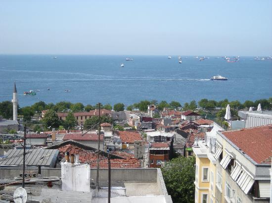 Hotel Fehmi Bey : 屋上からのマルマラ海