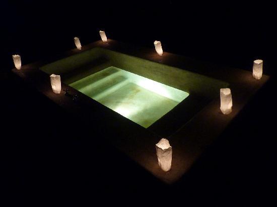 Hacienda San Jose, a Luxury Collection Hotel: Candle-lit plunge pool