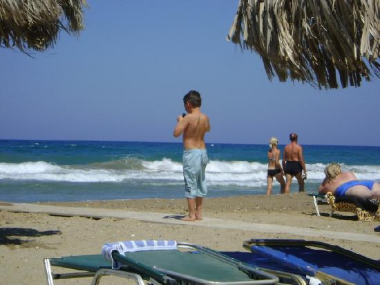 "Kokalas Resort Georgioupoli: View from ""Mikes Oasis"" beach bar sunbed!"