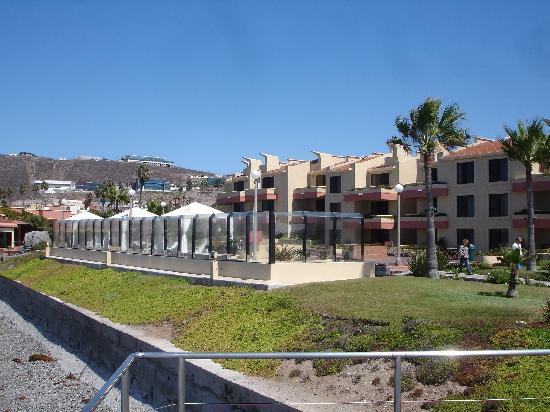 Punta Morro Resort: Hotel from oceanside