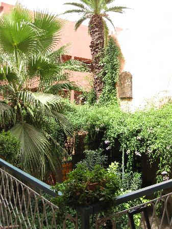 Toulousain Hotel: patio