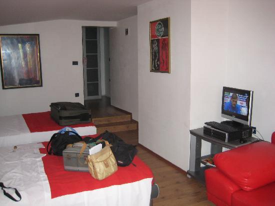 Hotel Tomi: chambre