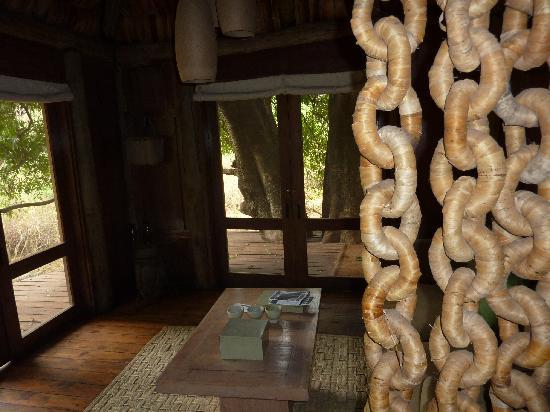 andBeyond Lake Manyara Tree Lodge: Room