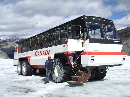 Columbia Icefield Glacier Discovery Centre: Ice Explorer vehicle