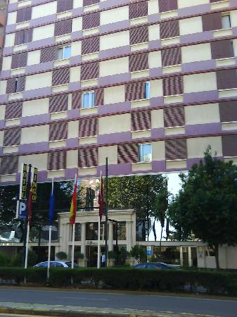 Hotel Sercotel Alfonso XIII: enorme edificio