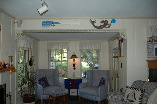 Yarmouth Port, MA: Lounge