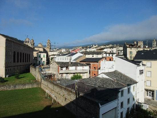 Hospedaje Seminario Santa Catalina: la parte trasera dos