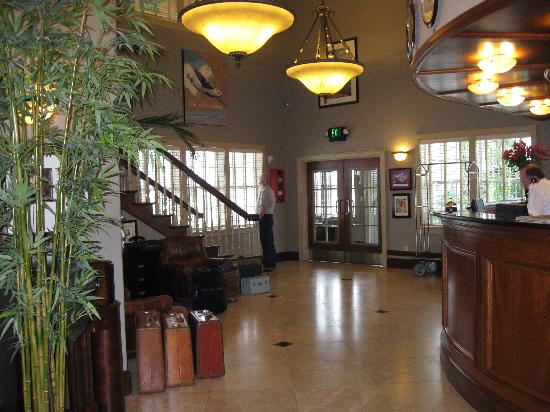 Hangar Hotel: lobby