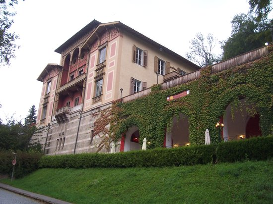 Villa Regina: another view