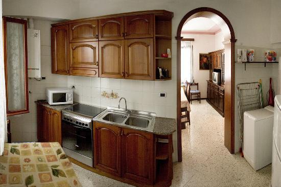 Frariapartment : cucina