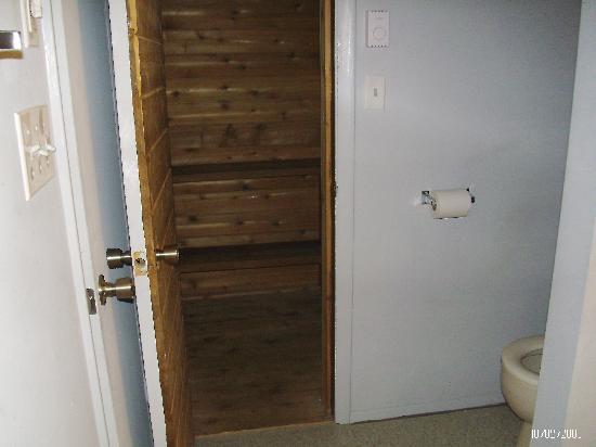 Ski Side Village: sauna off of upstairs bathroom