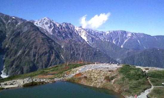 Hakuba-mura, Japan: 八方池越しの白馬三山