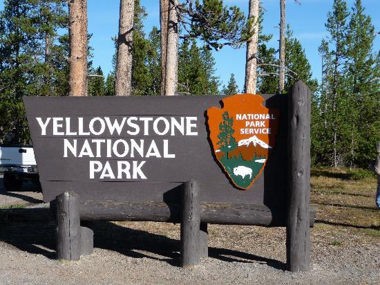 Entrance Sign Picture Of Yellowstone National Park