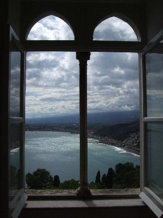 Bel Soggiorno Hotel: view from hallway in hotel
