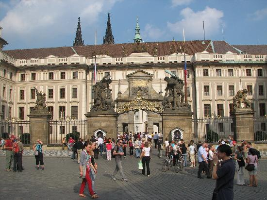 prague castle area just steps from domus henrici
