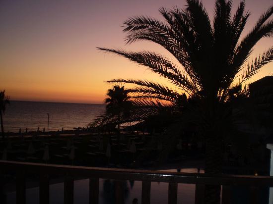 Akti Beach Village Resort: Sun set at Akti
