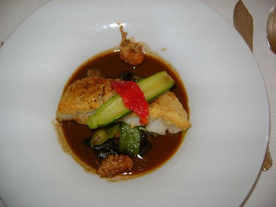 Restaurant de l'Ermitage de Corton : Un petit plat !!!