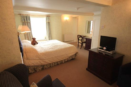 The Worsley Arms Hotel: Our room