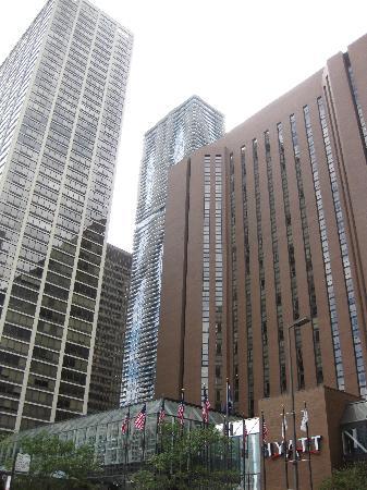 Hyatt Regency Chicago: Außenansicht - zwei riesengroße Gebäudekomplexe